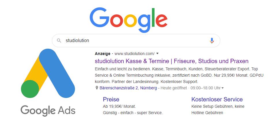 Über Google Ads lässt sich Suchmaschinen-Werbung schalten als Anzeige für bestimmte Keywords.